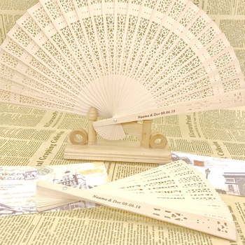 60pcs/lot Laser Cut Scandal Wood Fans Party Favors Birthday Gifts Wedding Giveaways Anniversary Keepsake Supplies
