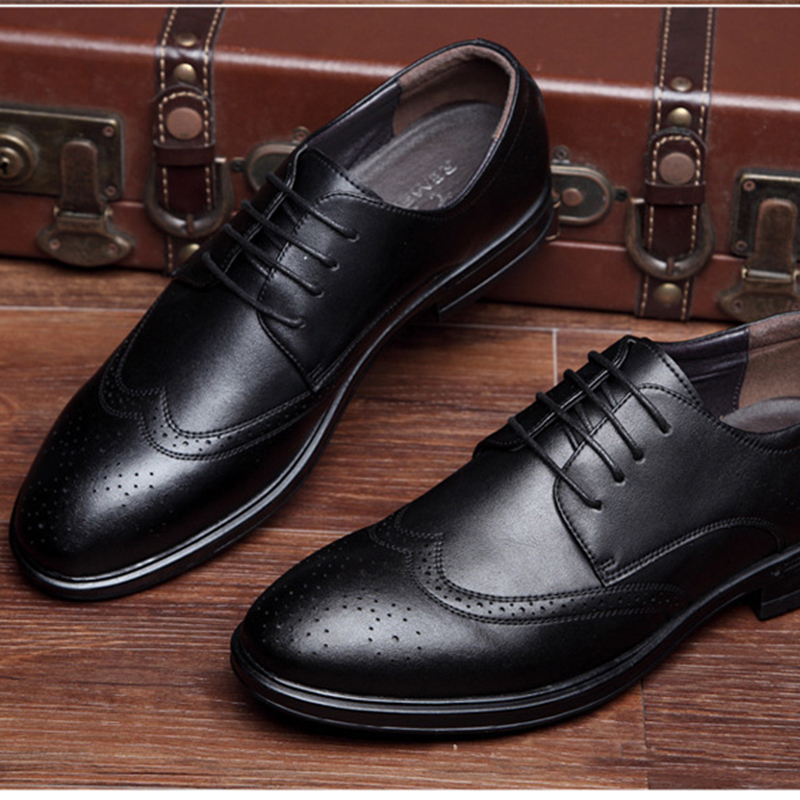 af2876fa2230a 2015 New British Style Brand Classic Men s Oxfords Shoes Men s Dress  Business Formal Shoes Flats Leather Lace Up Shoes-in Formal Shoes from Shoes  on ...