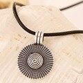 Regalo de navidad Nueva Moda de Joyería de Plata Tibetana de Aleación de Zinc de Metal de Un Solo Lado Espiral Disco Redondo Colgante de Collar