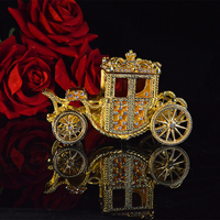 Qifu Handicraft Vintage carriage shape gift boxes for jewelry