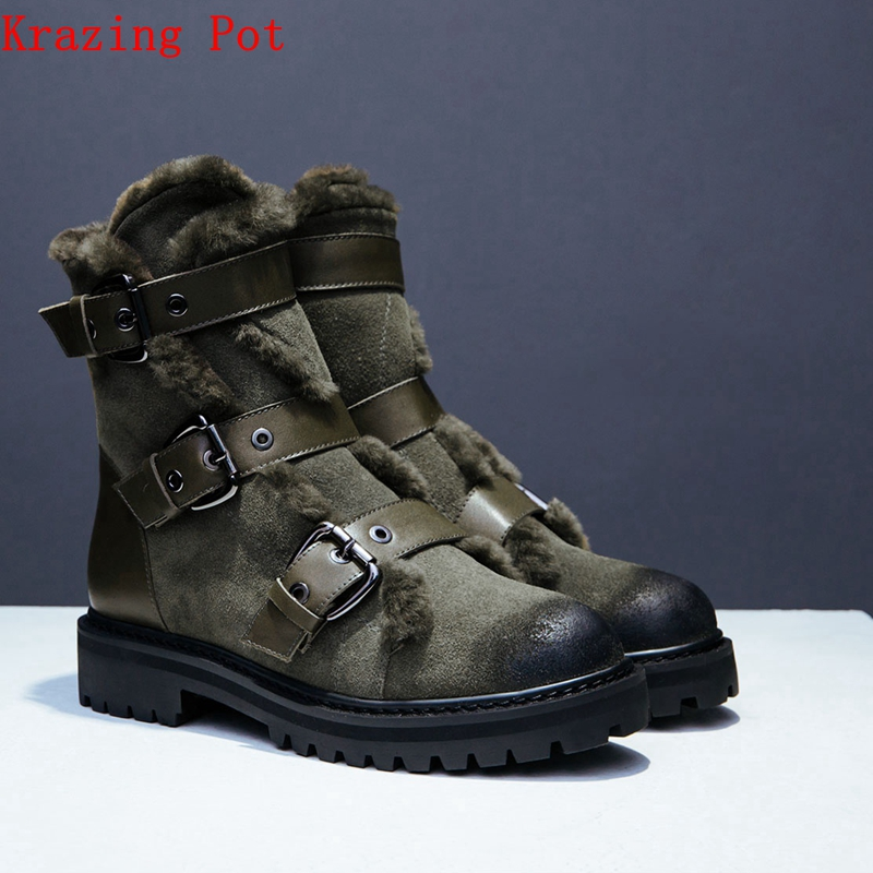 цена Krazing Pot snow boots cow suede fur decoration round toe keep warm Winter neutral luxury metal buckle beauty ankle boots L91 в интернет-магазинах