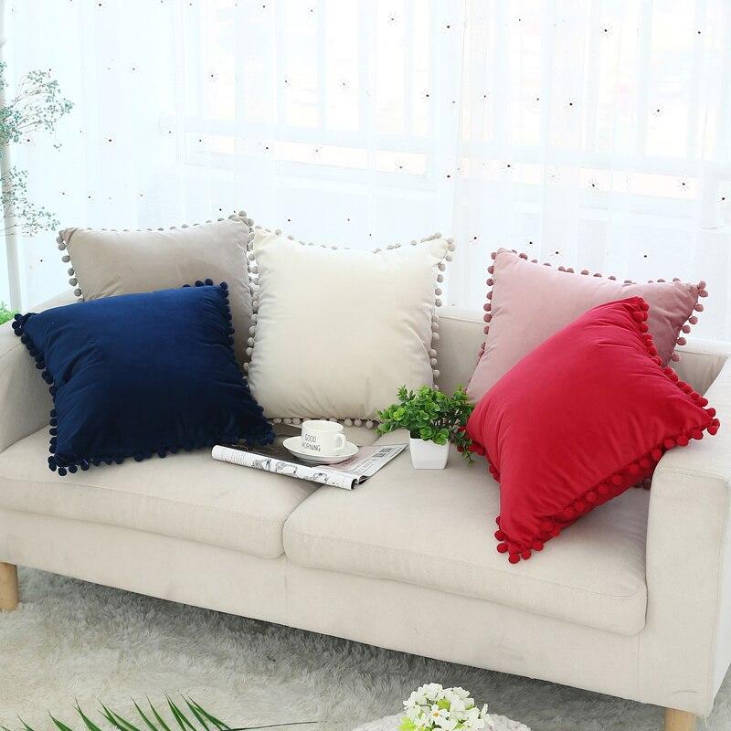Bonito Pompom Bola Travesseiro Cobre Vermelho Rosa Azul Marfim Sólido Capa de Almofada de Veludo Macio Início Decorativa 45x45 cm para o Sofá Cadeira Cama