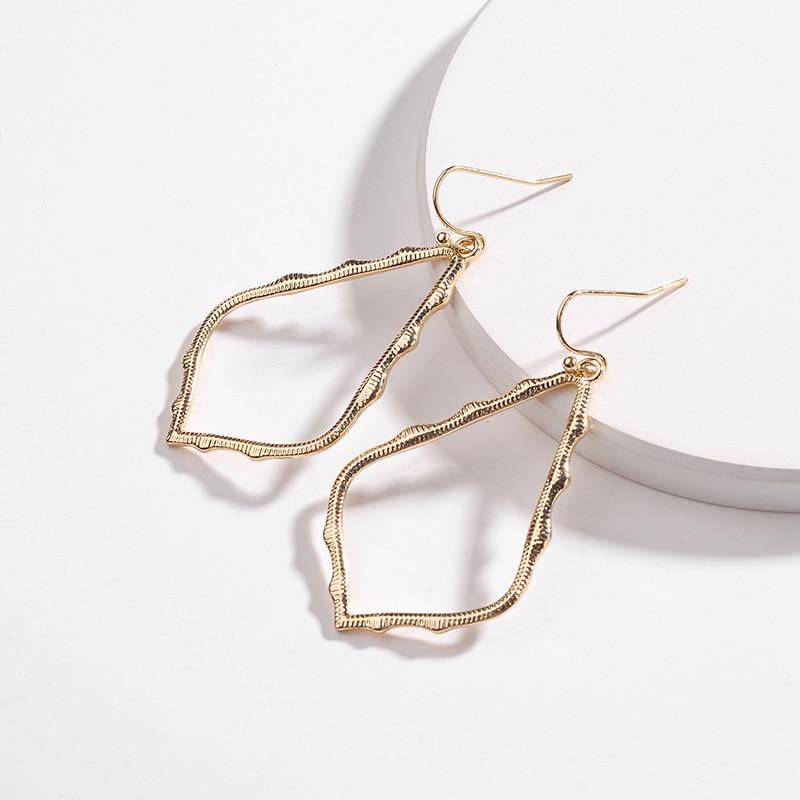 Large pendant earrings