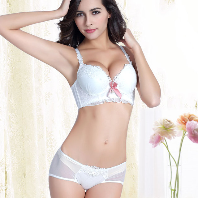 Cute girl students lingerie bralette widen four lace bra set pure white  breasted kawaii sutian suit lovely underwear bra panties. Price  0a6a032cd