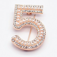 Letter 5 Brooch Pins Hanger Pearl Rose Womens luxurious Jewelry Shiny masonry Crystal Party  Number Brooches