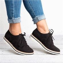 4eed4d4d65 WENYUJH Brogue Sapatos de Borracha Mulher Oxfords Estilo Britânico Creepers  Cut-Outs Plataforma Plana Mulheres Sapatos Casuais C..