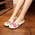 2017 de La Moda de Estilo Chino Antiguo Beijing Bordado Mujer Mocasines Zapatos Cómodos Suaves Planos Ocasionales Más El Tamaño 34-41