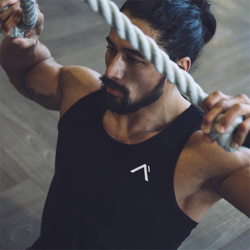 2018 men's new fashion casual fitness sweatshirt with no sleeves