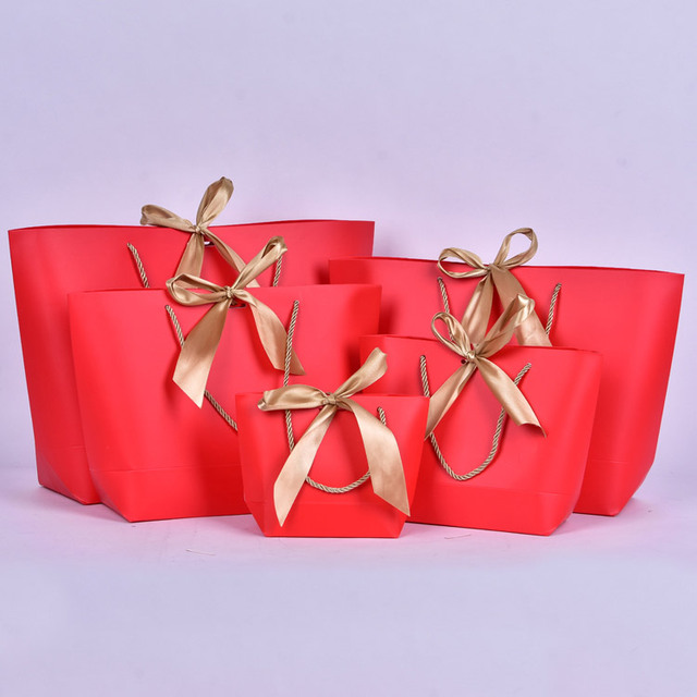 Wholesale 100PCS/LOT Customized lOGO Ship-type Paper Gift Bag With Gold Ribbon Bowknot White Black Gift Packing