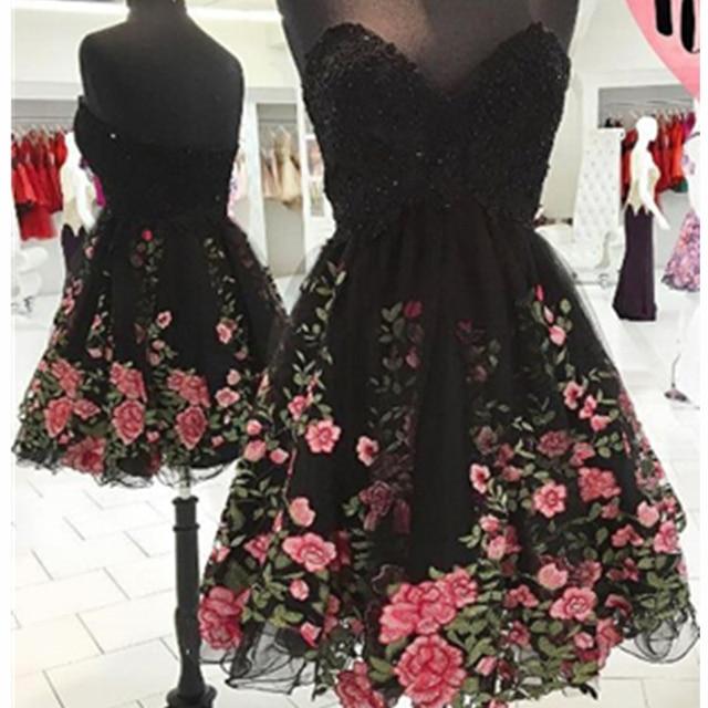 Vestido negro tul bordado flores