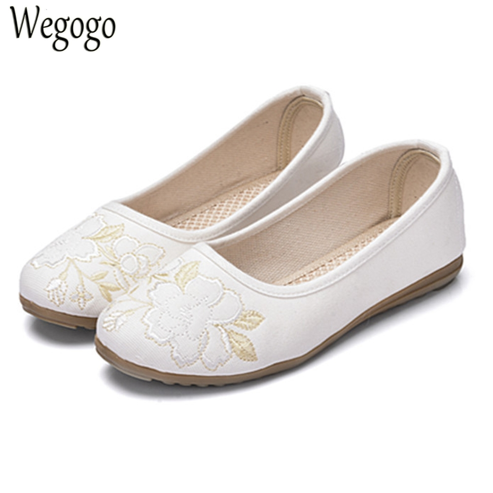 Spring omen Flats Old Peking Retro Flower Embroidery Canvas Linen White Slip On Ballets Dance Drive Shoes Sapato Feminino vintage embroidery women flats chinese floral canvas embroidered shoes national old beijing cloth single dance soft flats