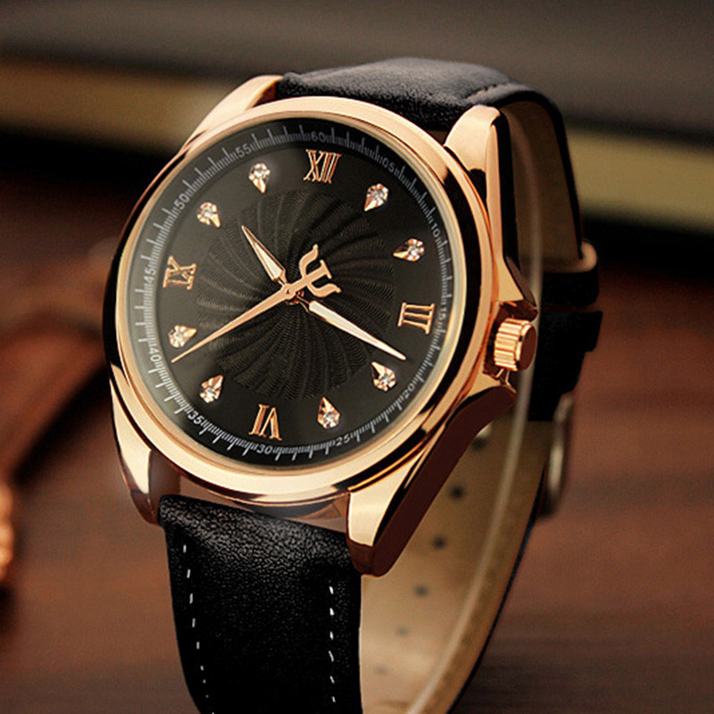 купить Cindiry Men Watch Roman Numeral Luxury Leather Analog Quartz Business Wrist Watch Fashion Casual Diamond Watch Relogio Masculino по цене 327.59 рублей