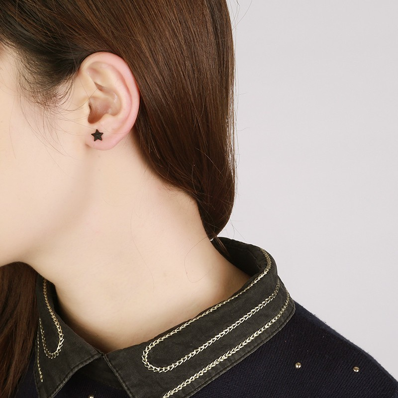 black-star-and-saturn-earring-set-5