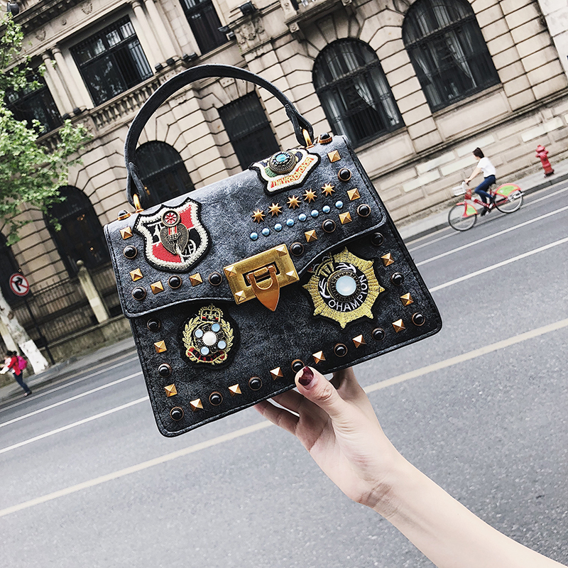2018 Luxury Brand Designer Handbag Women Bag Vintage Badge Small Shoulder Crossbody Bags For Girls Messenger Bags Bolsa Feminina dusun embroidery floral handbag women vintage messenger bags ladies brand designer shoulder bag female luxury bolsa feminina sac