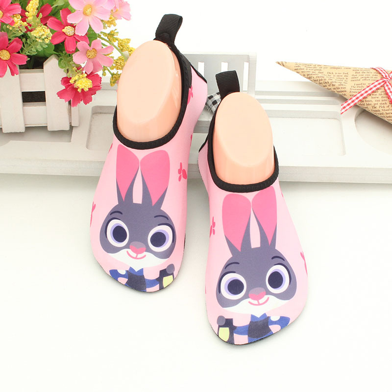 Kids cartoon skin sock shoes boys girls children cute rabbit breathable drifting non-slip water shoes toddler girl beach slipper