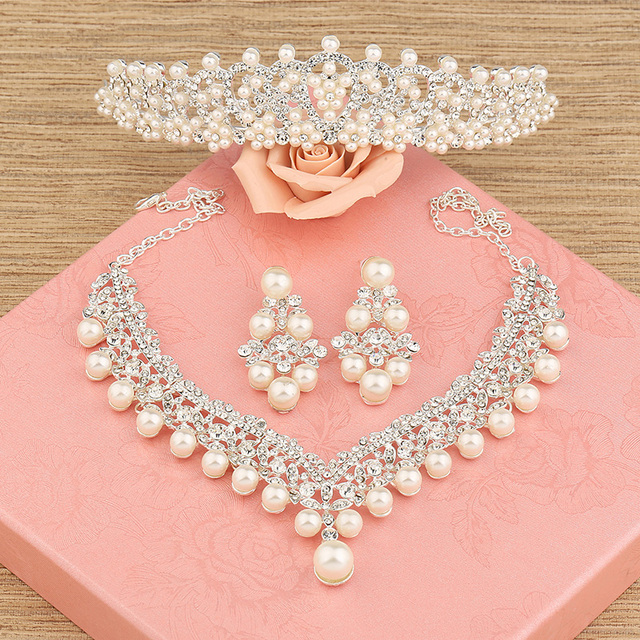 The bride hair accessory three pieces set wedding accessories hair accessory necklace earrings marriage accessories