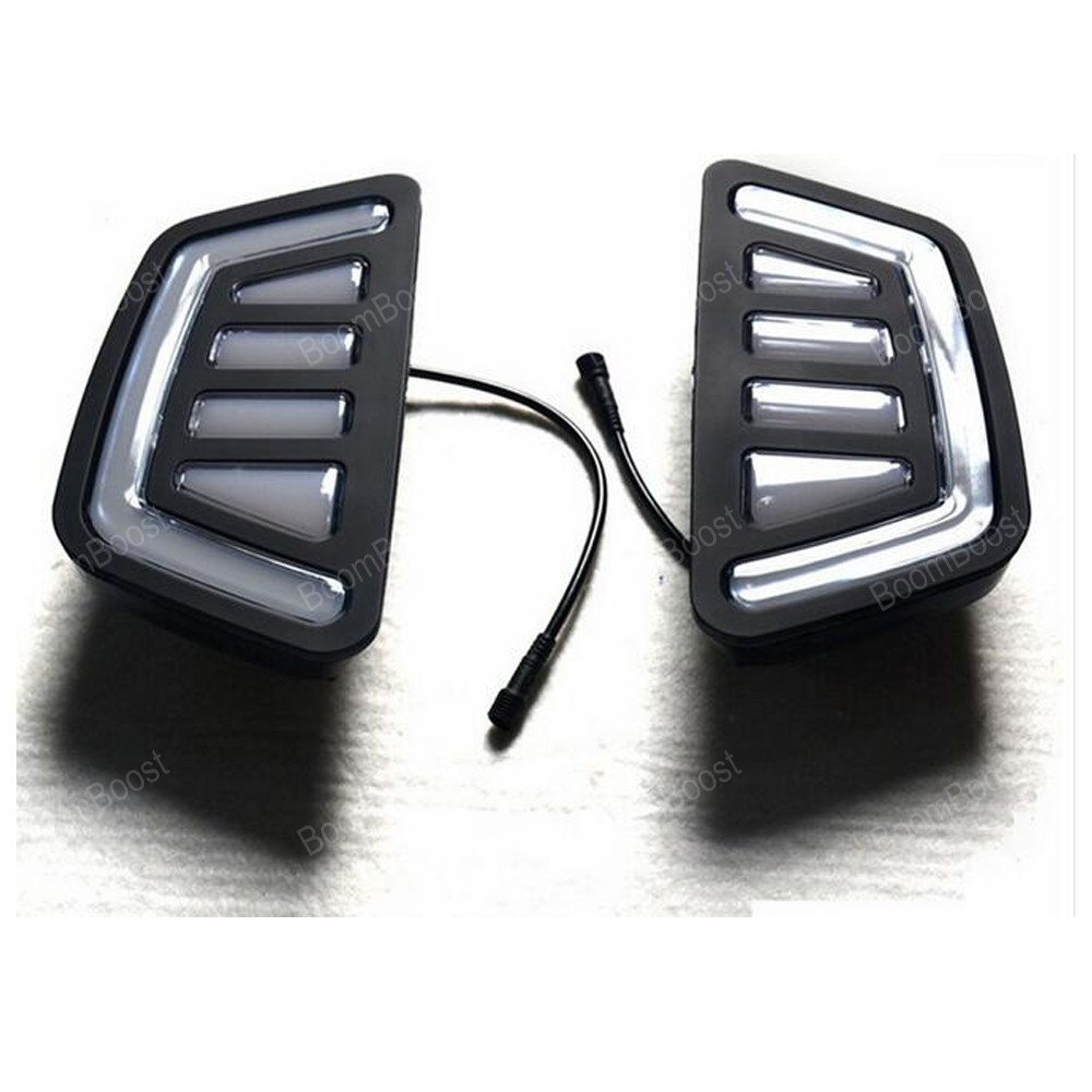 one pair 12v Car DRL for F/ord r/anger t7 2016 2017  daytime running light 15W turn signal lamp front grille led emblem logo light 4 colors abs decorative grill lamp for f ord r anger t7 2016 2017 car styling