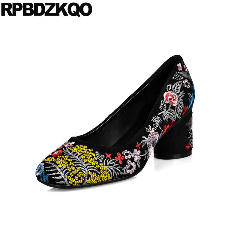 цены на 10 42 Plus Size Ladies Pumps Flower Embroidered Folk 11 43 Embroidery Handmade Shoes Catwalk High Heels Block Suede Round Toe в интернет-магазинах