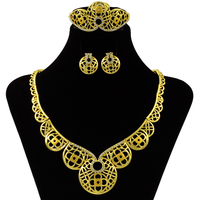 New Fashion Charm Golden Flower Necklace Jewelry Accessories Dubai Italian Wedding Christmas Gift Royal Princess Jewelry
