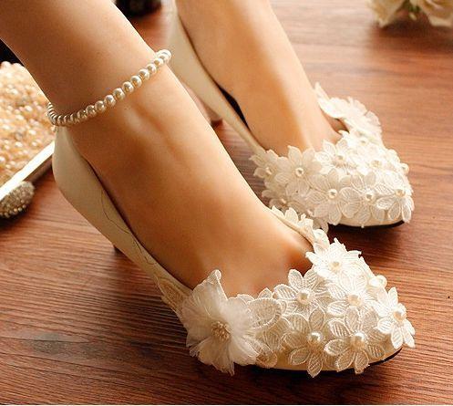 094947cc02aa1 سلسلة الخرزة الرباط زهور الزفاف أحذية النساء اليدوية زائد الحجم المنخفض  عالية الكعب أنيقة اللؤلؤ الأشرطة العرائس وصيفه الشرف