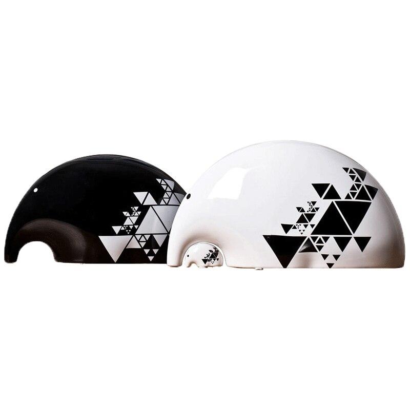 Contemporain et contracté noir et blanc idée de trois petits comme le salon TV ark vin décoration de la maison éléphant