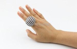 Image 5 - LYCOON ברמה הכי חדש לבן ושחור CZ פס טבעות כסף מצופה גדול טבעות יוקרה נשים מעוקב zirconia טבעת כדור צורה