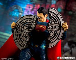 "Image 1 - Mezco באטמן לעומת סופרמן אחד: 12 קולקטיבי סופרמן גיבור 6.5 ""פעולה איור צעצועי בנים"