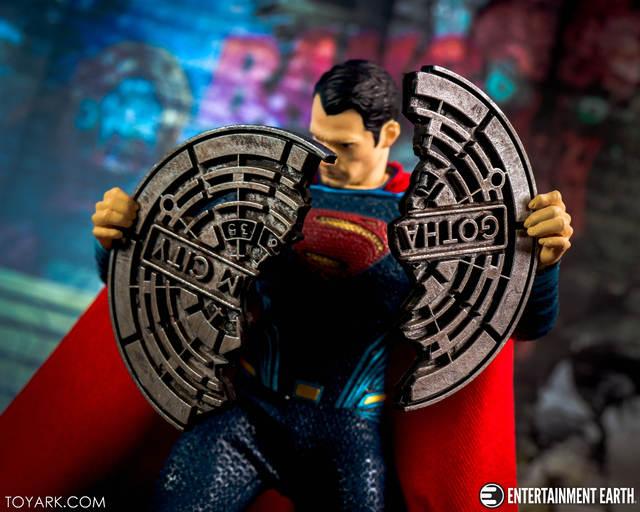 "Mezco באטמן לעומת סופרמן אחד: 12 קולקטיבי סופרמן גיבור 6.5 ""פעולה איור צעצועי בנים"