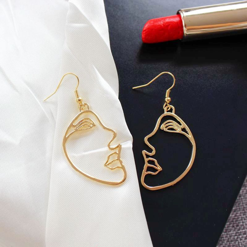 Carvejewl Girls Multiple Choice Earrings Retro Metal Alloy Fashion Abstract art Hollow Out face Dangle Earring for women jewelry