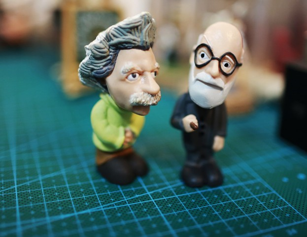 solid pvc  figure  2pcs/set Simulation  model toy  scene Decoration  little giants Einstein Lorentz doll ornaments pvc  figure pvc figure genuine simulation model toy butterfly life cycle set
