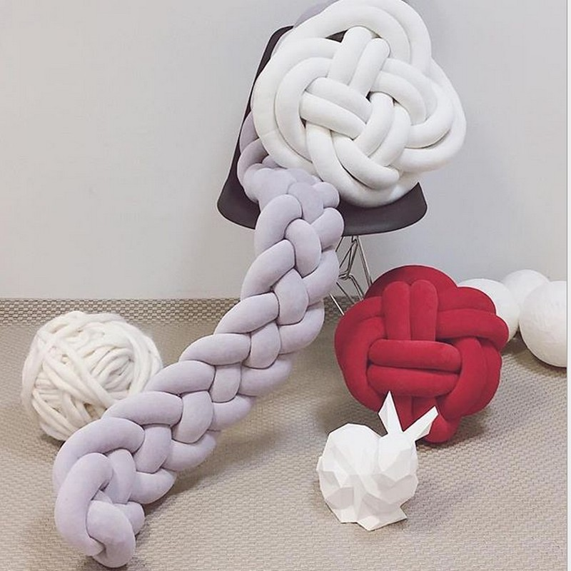 200cm four ply knot handmade Long Knotted Braid bed bumper Weaving Plush Baby Crib Protector For Newborns Nodic knot pillow 3ply
