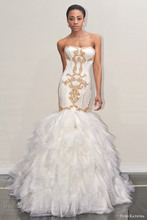Luxury Sweetheart Mermaid Wedding Dress Sexy Strapless Chapel Train Tiered Gold Applique Vestido De Noiva NM 553