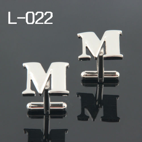 Fashion cufflinks FREE SHIPPING:High Quality Cufflinks For Men FIGURE 2013 Cuff Links LETTER M Wholesales