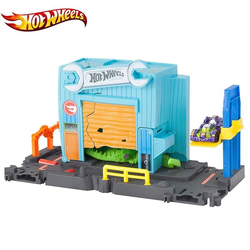 Hot Wheels Original 2019 City Crocodile Track Series Nemesis Attack Beast Scene Set Garage Metal Gator Toy Rail Car for Children