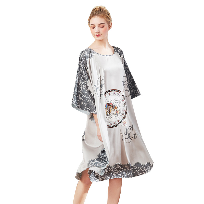 Sexy Emulation Silk printing   Nightgown     Sleepshirts   Women The bat sleeve Sleepwear Lounge comfortable Nightwear Female