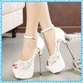 Mujeres sandalias de verano de encaje bombas partido de las mujeres zapatos de plataforma bombas de zapatos de la boda blanca tacones de aguja del dedo del pie abierto zapatos de vestir