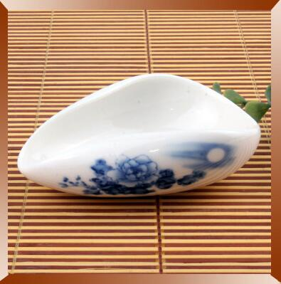 The Blue And White Porcelain Cha He * Tea Presentation Vessel