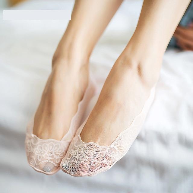 Éclats de bouche peu profonde femmes cheville basse femme Invisible bateau chaussettes antidérapant Silicone bas hors furtif dentelle chaussettes pantoufles