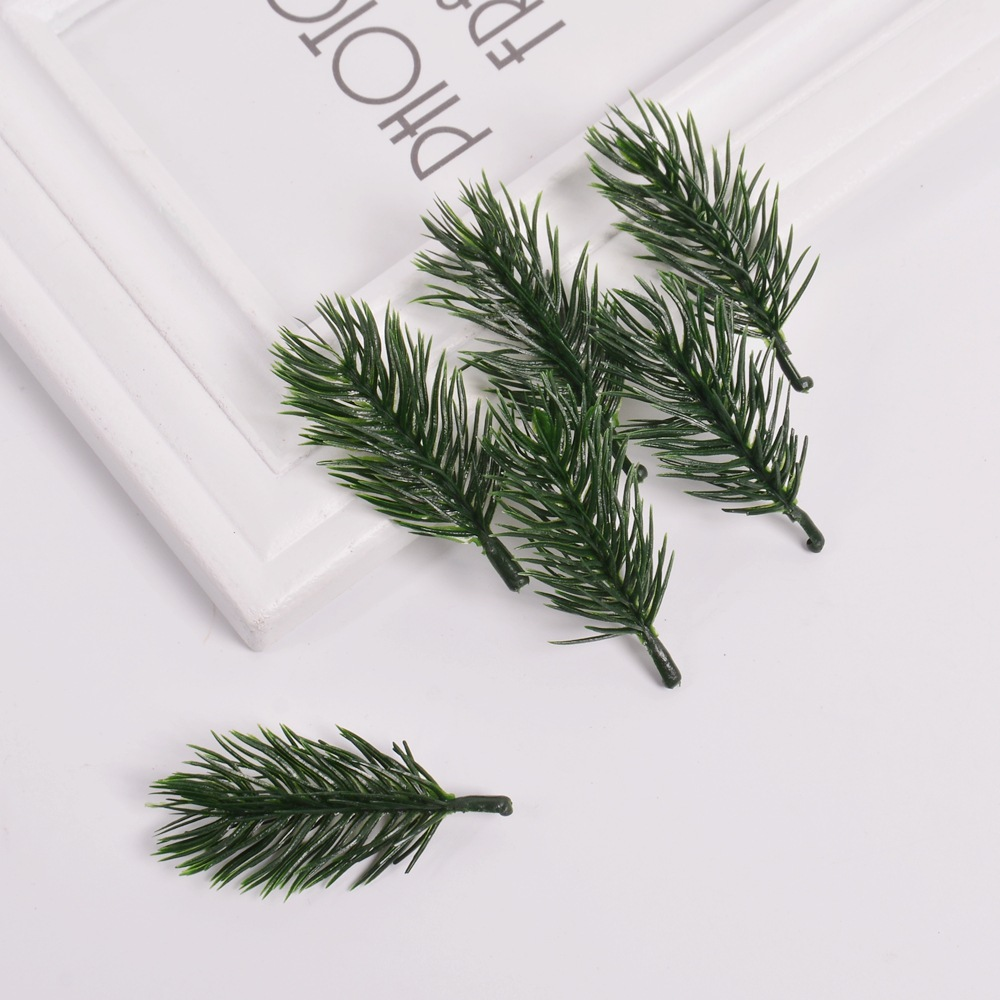 20pcs 6cm Artificial Plastic Plants Pine Branches Christmas Tree Wedding Decorations DIY Handcraft Accessories