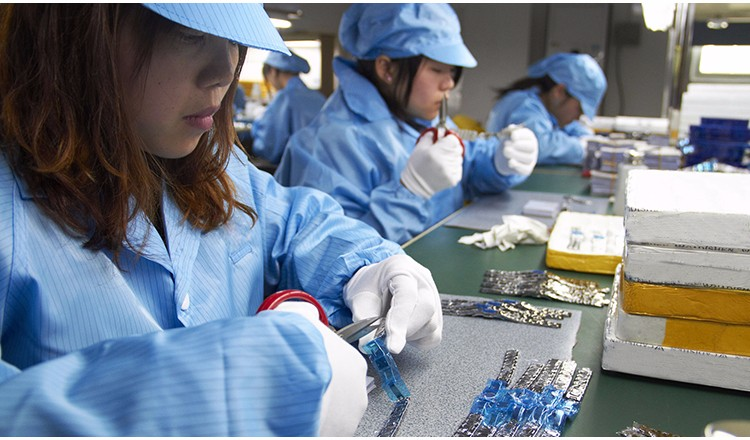 CURREN Men's Casual Sport Quartz Watch Mens Watches Top Brand Luxury Quartz-Watch Leather Military Watch Wrist Male Clock Drop HTB12LVteuuSBuNjy1Xcq6AYjFXaQ