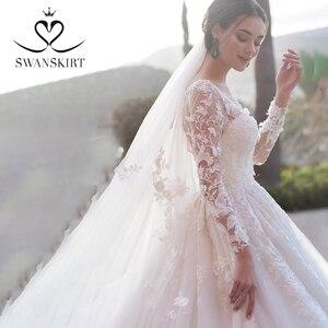 Image 2 - Swanskirt רומנטי 3D אפליקציות חתונת שמלת 2020 סקופ צוואר ארוך שרוול כדור שמלת אשליה הכלה שמלת Vestido דה Noiva K186