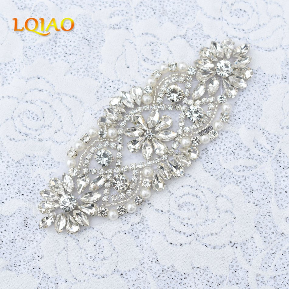 10pcs/lot Flower Bridal Pearl Trimmings Clear Crystal Rhinestone Applique With Pearls Hotfix for Wedding Dress Hair Accessories