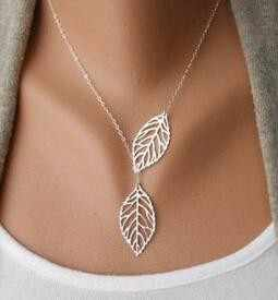 2017 Simple European New Fashion Vintage Punk Gold Hollow Two Leaf Leaves Pendant Necklace Clavicle Chain Charm Jewelry Women