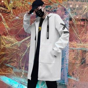 Image 4 - Lungo Degli Uomini del Rivestimento Stampe Di Moda 2019 primavera Harajuku Giacca A Vento Cappotto Maschile Casual Outwear Hip Hop Streetwear Cappotti WG198