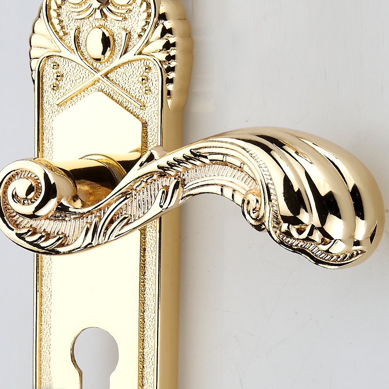 Gold plated luxury door hardware knobs wooden door handles lock ...