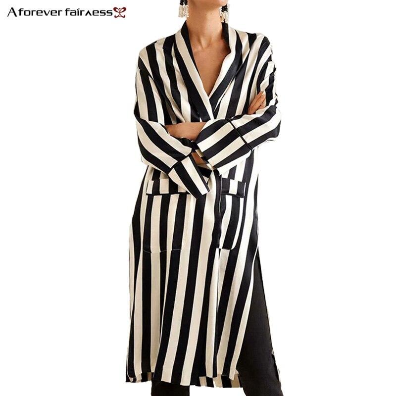 A Forever 2018 Autumn New Woman Street Fashion Black White Long Stripes Print Kimono   Trench   With Long Sleeves Waist Belt Coat