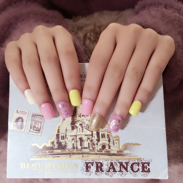Kawaii Nail Tips stand with Designs 24pcs Short Square False Nails ...