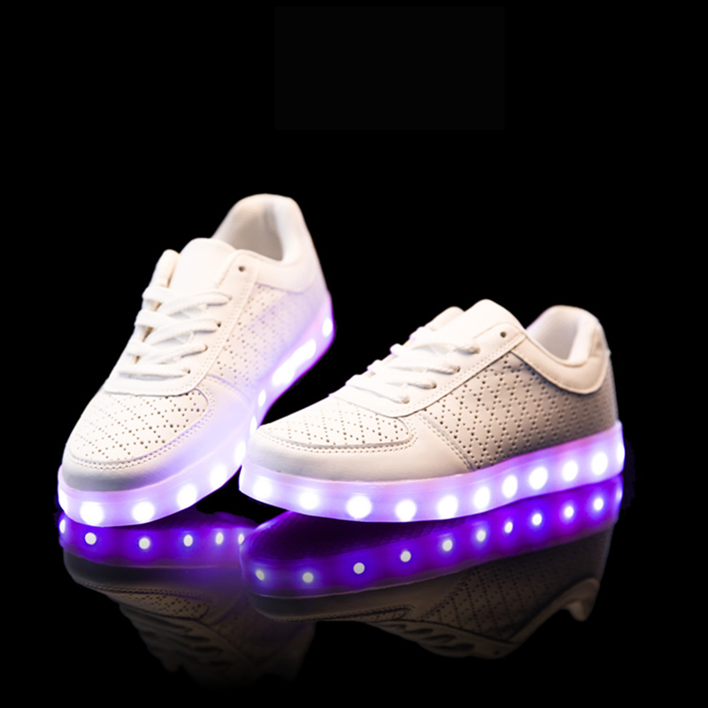 Super Amazing Cool High quality Led Shoes Men Women Fashion Light Up Casual  Shoes Adults 8 Colors Glowing Outdoor led light shoe-in Men s Casual Shoes  from ... e00073fd494