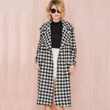 Europea Winter Women Wool Blends Plaid Coat Femal Thick Turn-Down Striped Printed Mid-Long Loose Fashionable Outerwear D0231