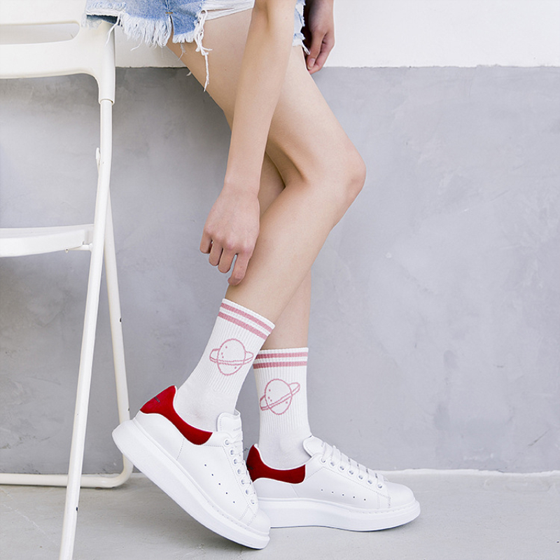 2018 new fashion women   socks   cotton 1 pair planet striped printed schoolgirl cute casual long winter   socks   women